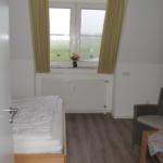 Blick ins Schlafzimmer vom Flur 17-23-20