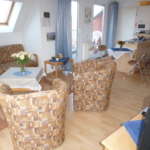 Blick vom Wohnraum in die Küche 18-11-19