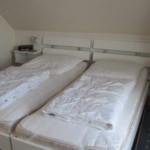 1tes Schlafzimmer m 10-29-28
