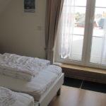 1tes Schlafzimmer mit Balkon 10-29-28